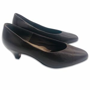 Auditions Brown Leather Pumps Kitten Heels 9 WW